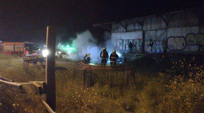 De madrugada se incendia vehículo en sector Estación