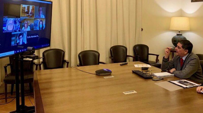 Intendenta Cofré y Ministro Alvarado revisan avances del Plan Regional de Gobierno